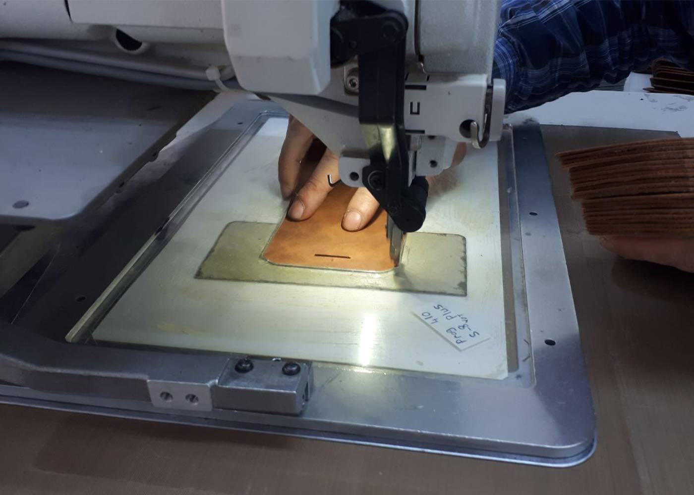 Produktion Echtlederprodukte bei Solo Pelle