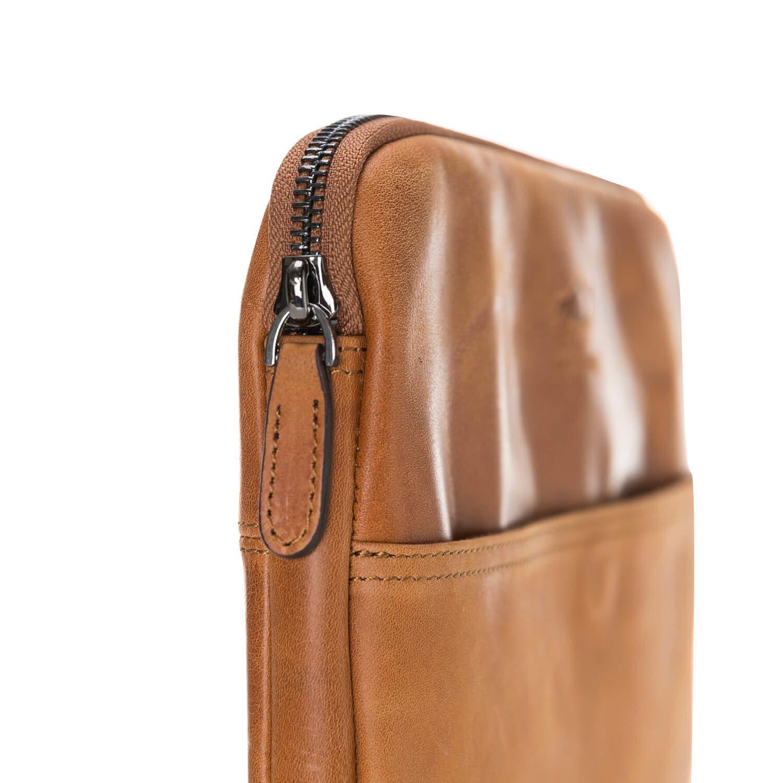 Solo Pelle Ledertasche für das Apple MacBook Pro und Air 13 Zoll, 12 Zoll & iPad Pro 12,9 Zoll Lederhülle Case Hülle Awenta aus echtem Leder in Cognac Braun