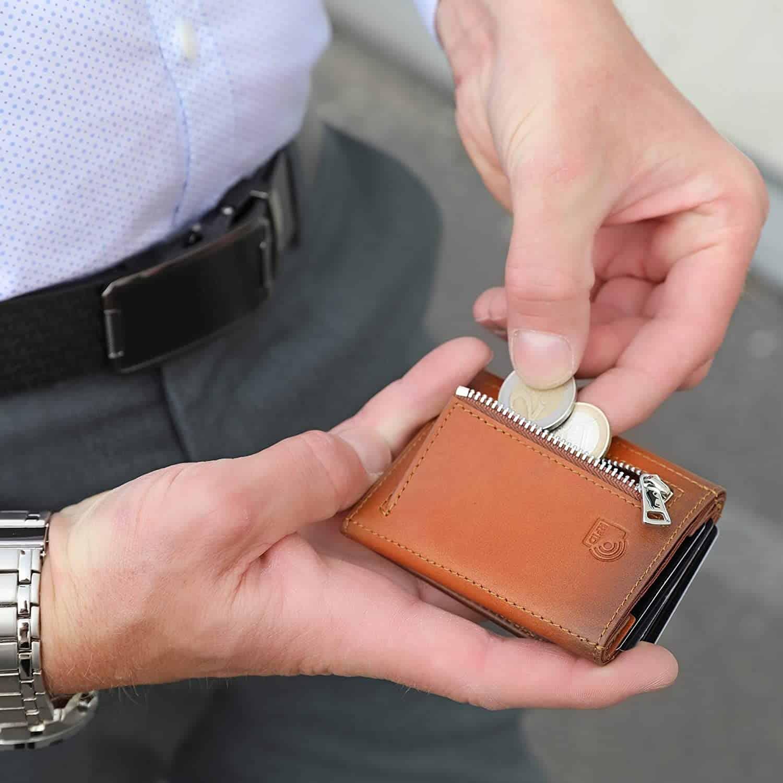 Solo Pelle® Leder I Slim Wallet mit Münzfach I Geldbeutel mit RFID Schutz I Platz für mindestens 12 Karten I Mini Portemonnaie für Herren und Damen I Geldbörse (Cognac Braun, mit Münzfach)
