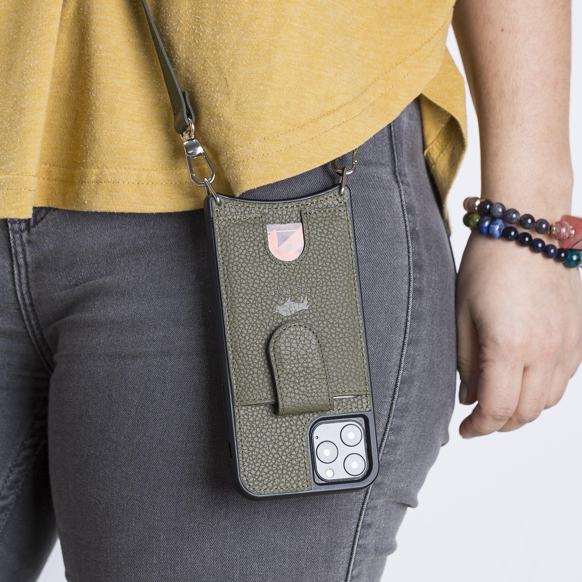 """Lederhülle """"Necklace"""" für das iPhone 11 Pro in 5.8 Zoll in Nachtgrün (inkl.Umhängeriemen)"""