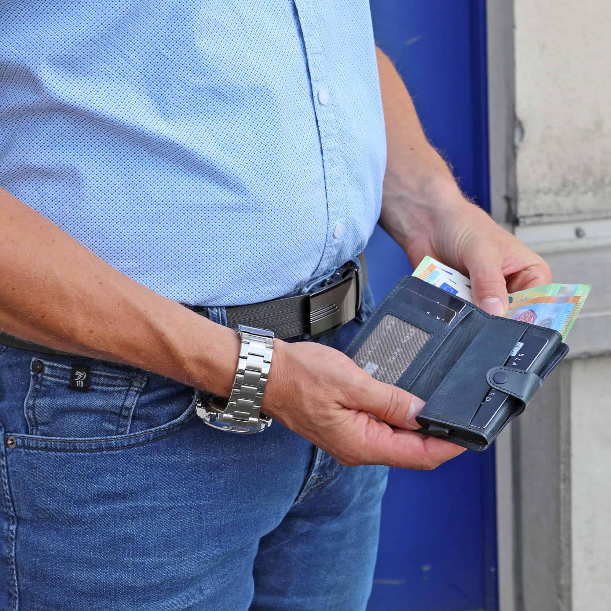 Solo Pelle Leder Geldbörse Q-Wallet mit integriertem Kartenetui für 15 Karten + Geldscheine geeignet | Kreditkartenetui mit RFID (Vintage Blau + abnehmbares Kartenetui)