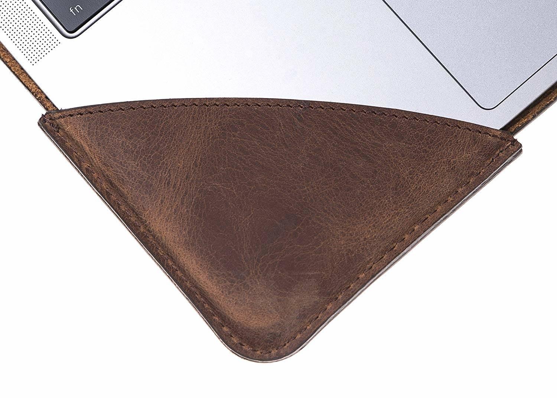 Solo Pelle Ledertasche für das MacBook Pro 15 Zoll Lederhülle Case Hülle Münich für das Apple MacBook Pro 15 Inch aus echtem Leder in Vintage Braun