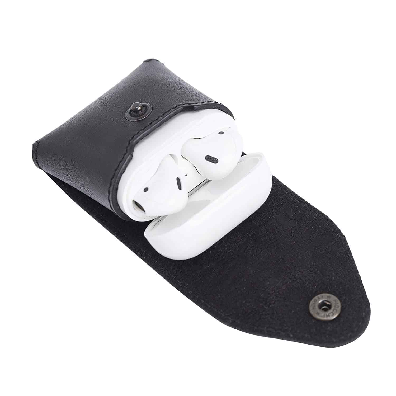 Solo Pelle Lederhülle Noah Hülle passend zu original Apple Airpods 1 und 2 (Wireless Charging geeignet) (Schwarz)